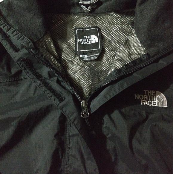 The North Face rain resistant jacket. M 5a9654ce61ca10163b485765 0ed4eba15e7a